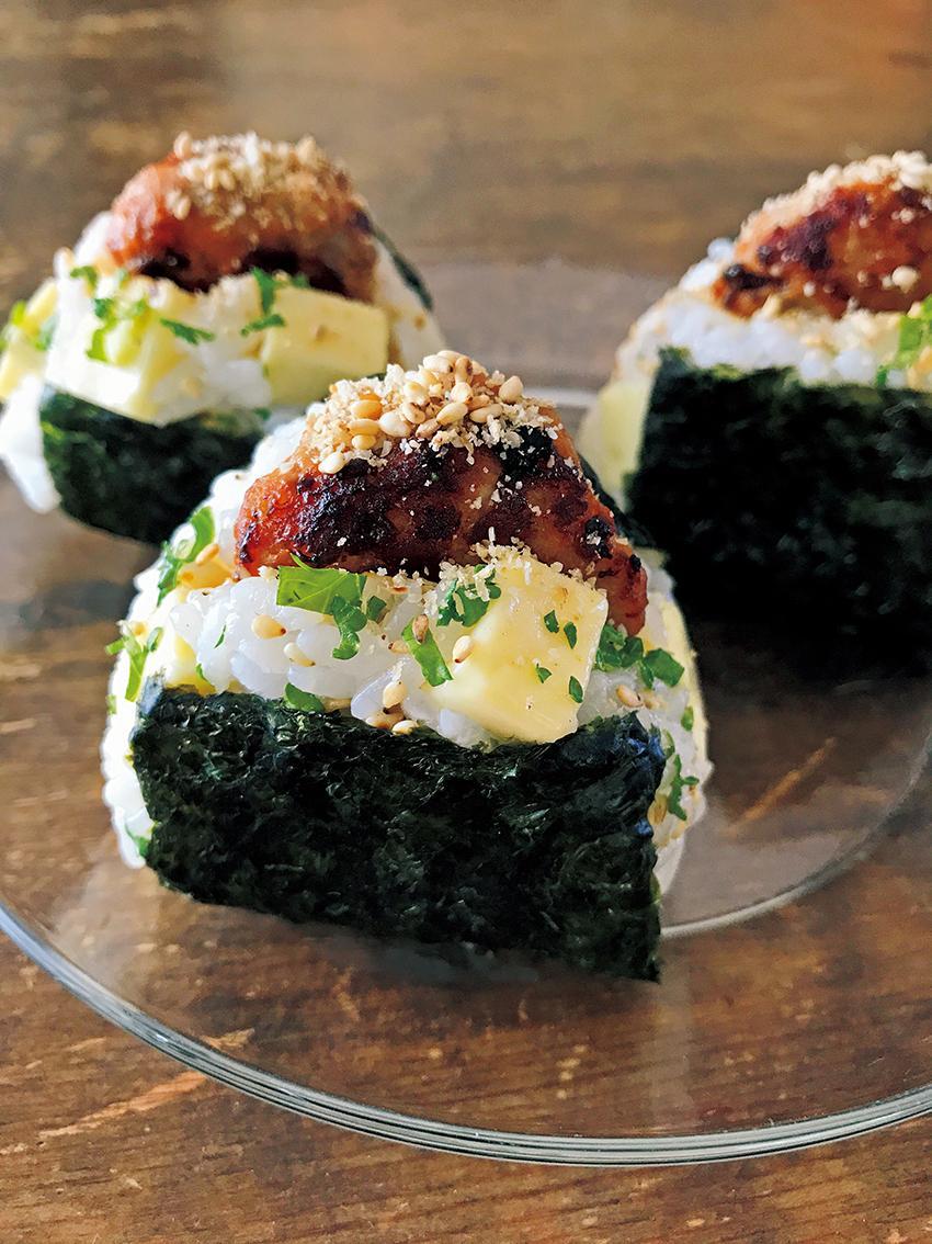 日式漢堡排佐起司飯糰
