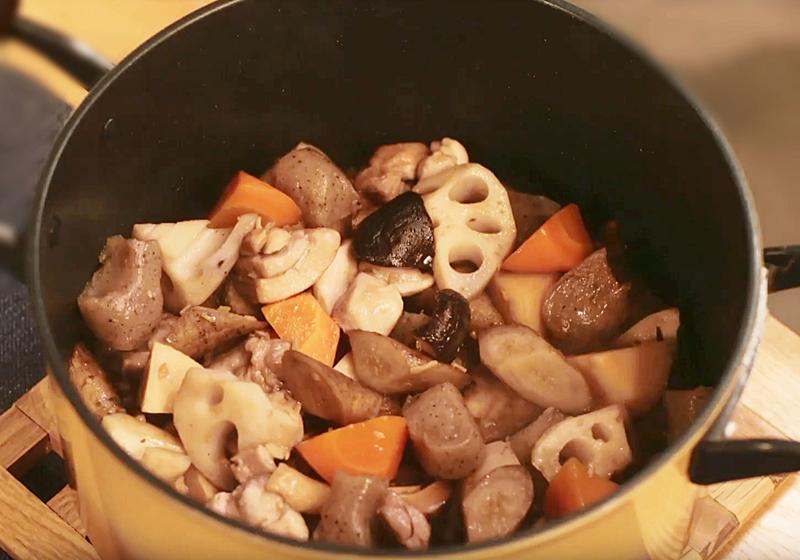 【昨日的美食】料理食譜 9:築前煮 + 燜煮彩椒茄子