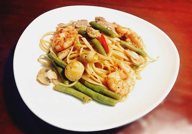 鮮蝦雜燴義大利麵