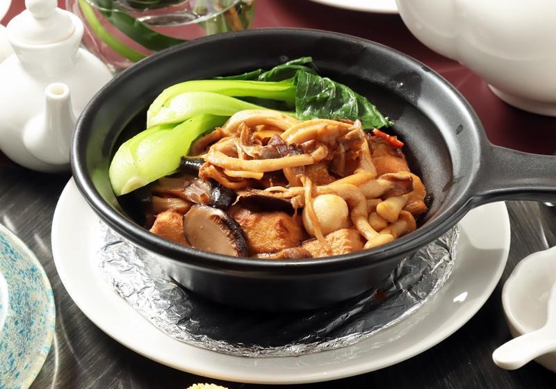 鮮菇翡翠豆腐煲 (影音)