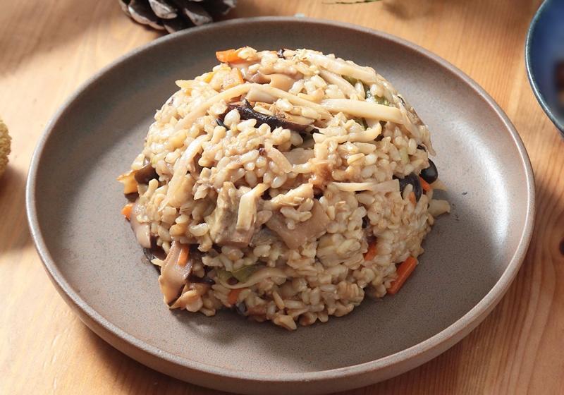 日式竹筍菇菇雞肉釜飯