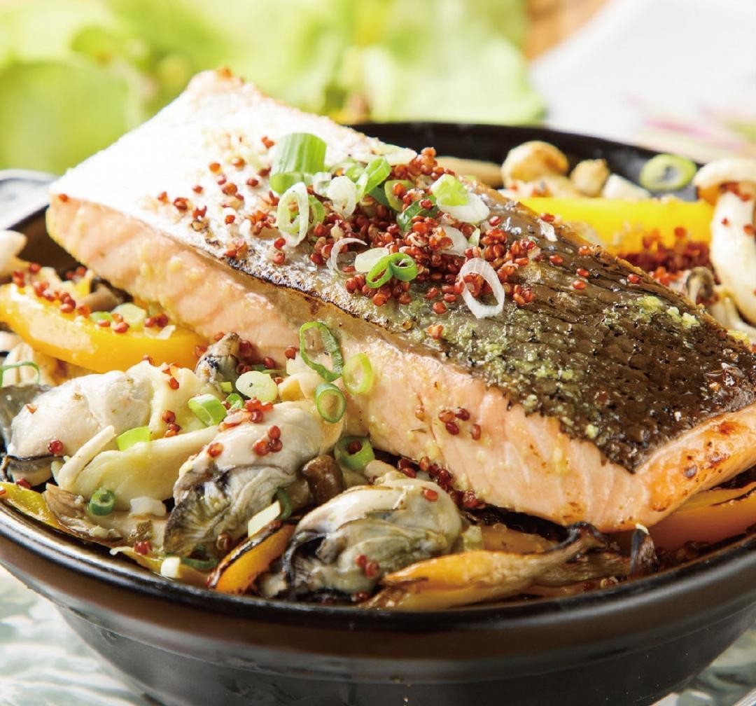 蒜香鮭魚紅藜炊飯