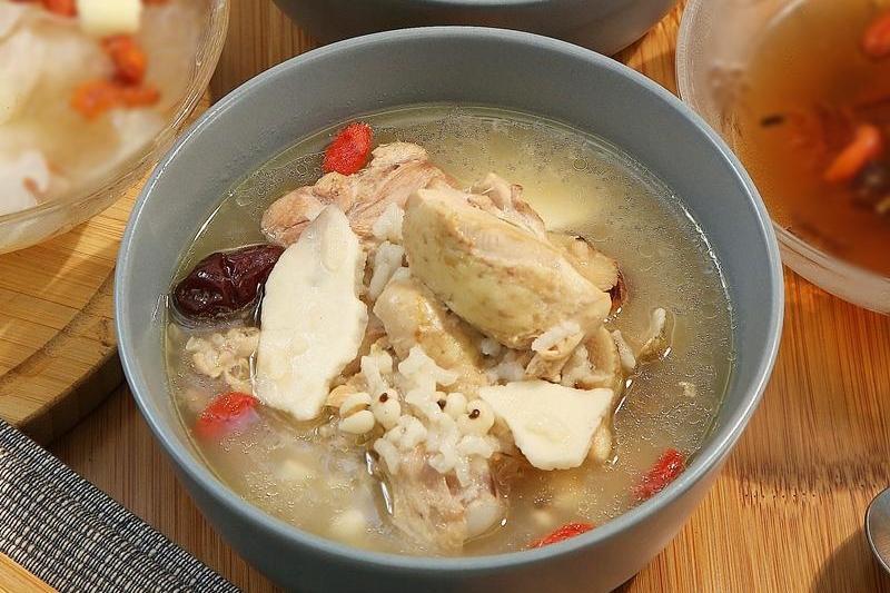 紅棗雞腿粥為身體「除濕」!補元氣這樣吃好簡單 (影音)