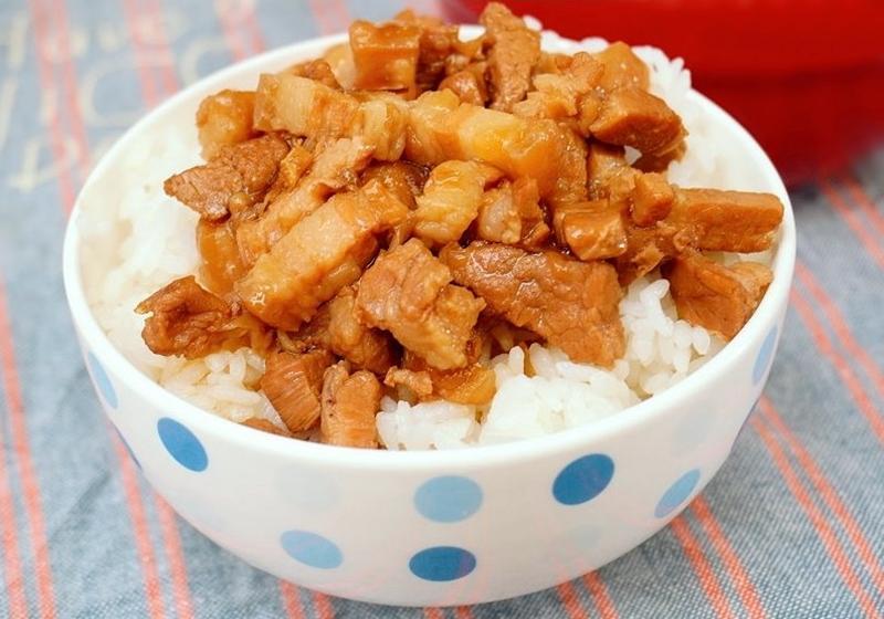 【古早味滷肉飯】免炒糖、免顧火一樣好吃!(影音)