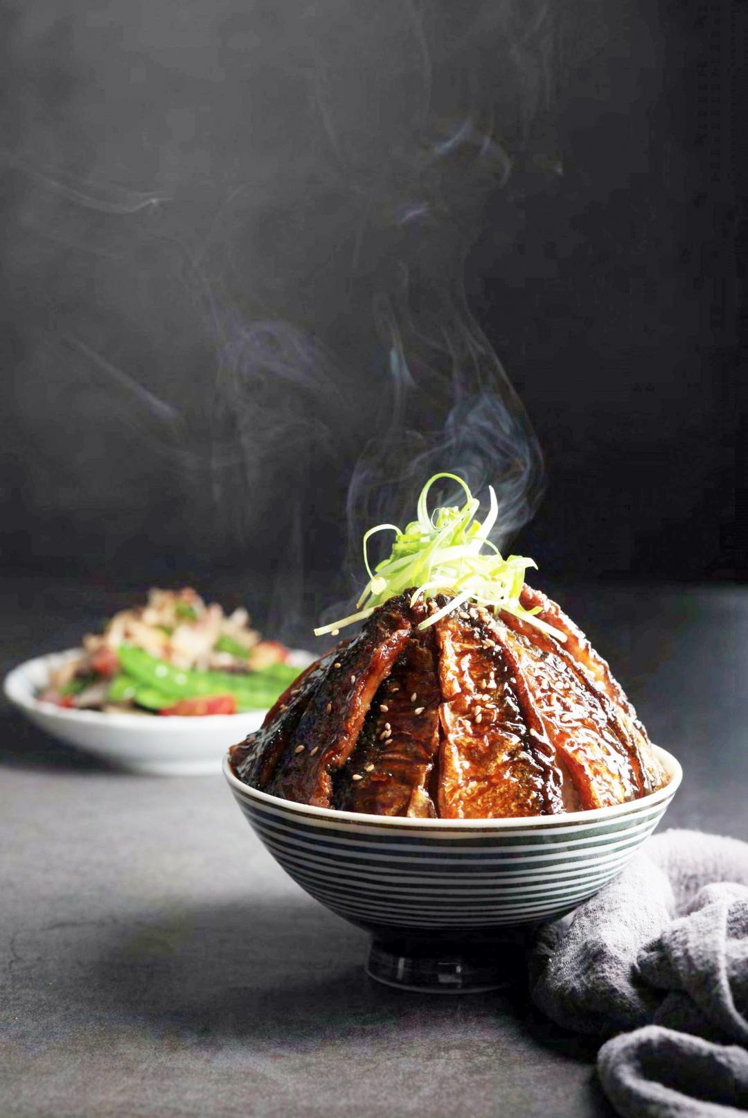 蒲燒秋刀魚