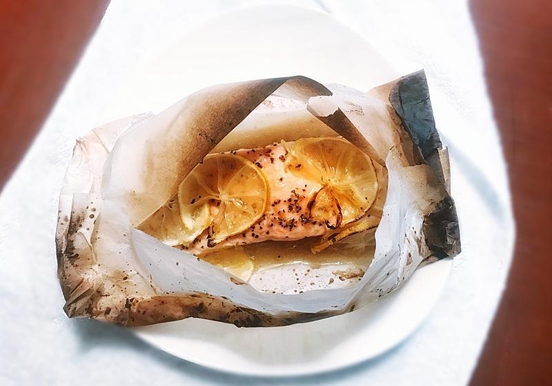 懶人料理 | 紙包檸檬奶油鮭魚