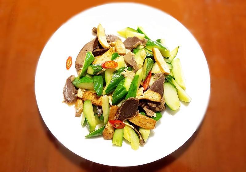 小黃瓜炒燻三味