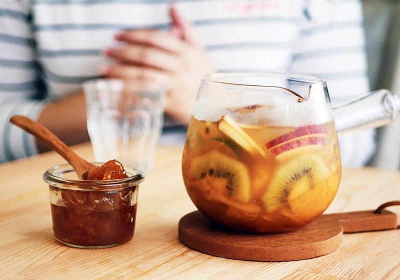 台灣經典冰水果茶 (影音)