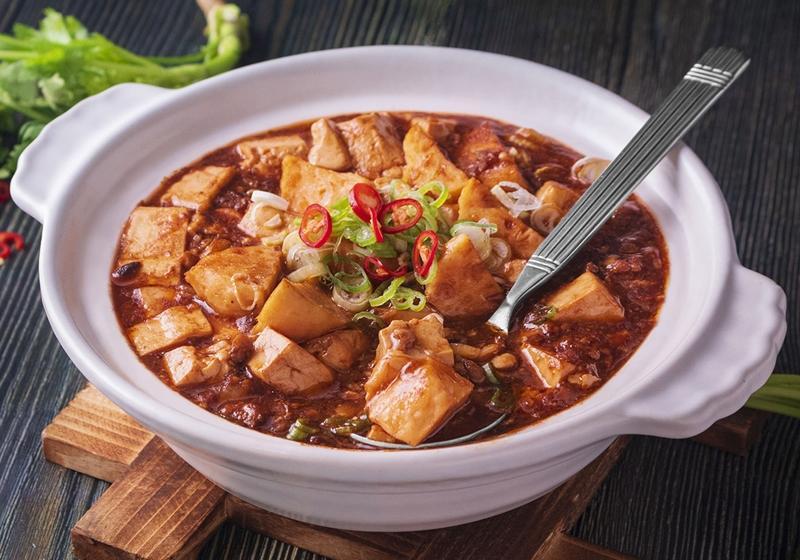 麻婆豆腐鮭魚丸子燴飯