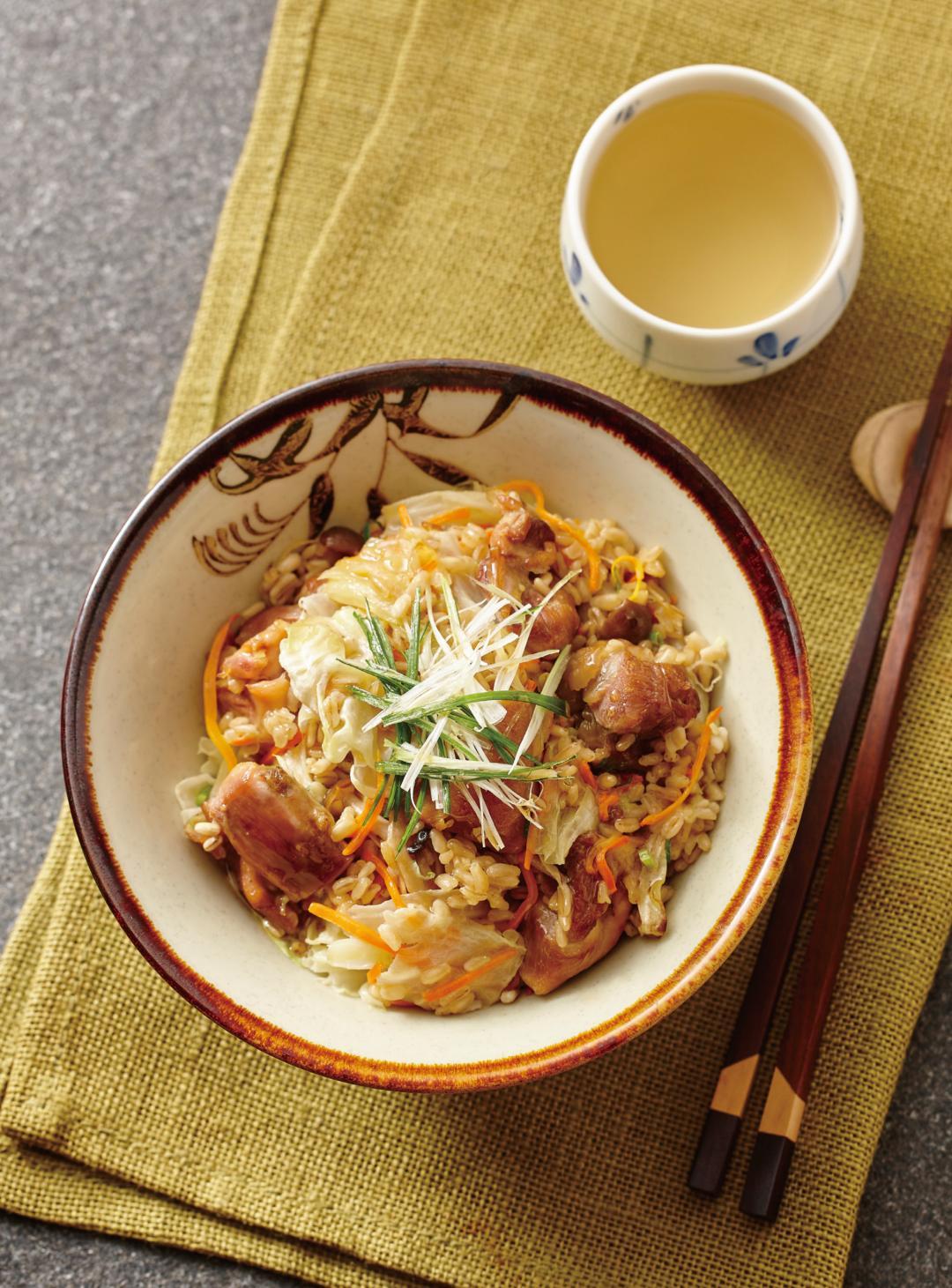 麻油雞腿高麗菜飯