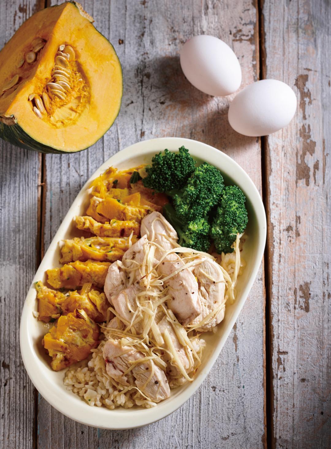 薑絲嫩煎雞肉 + 南瓜蔥蛋