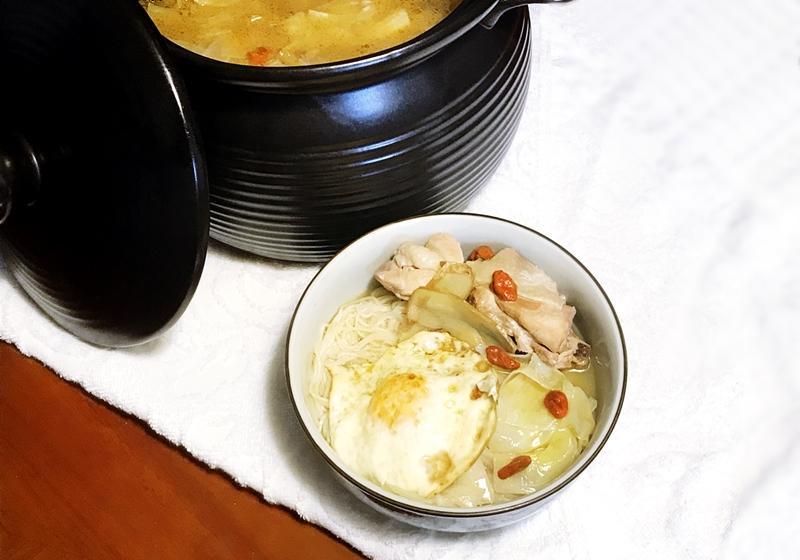 麻油高麗菜雞湯麵線