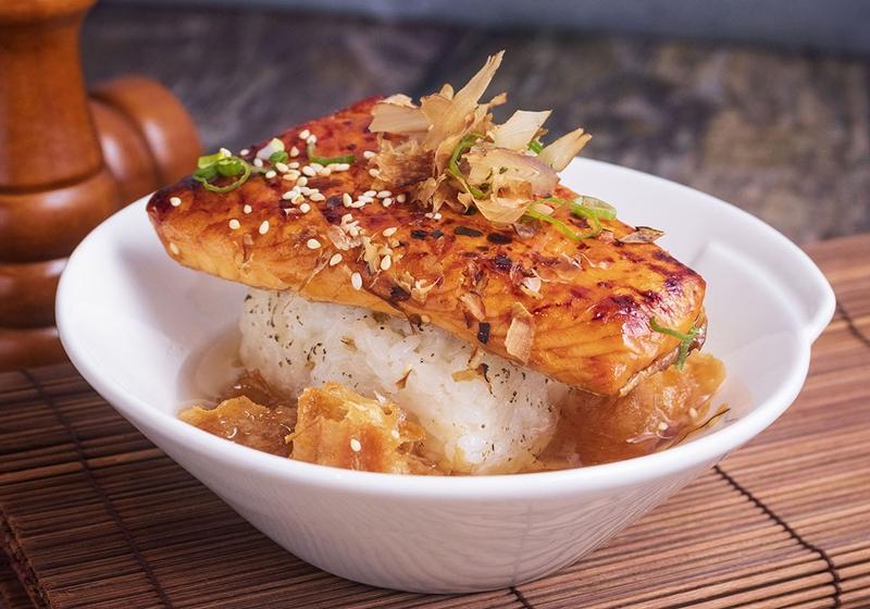 蒲燒鮭魚茶泡飯