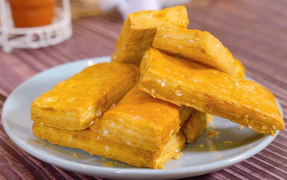 鹹蛋黃方塊酥 (影音)