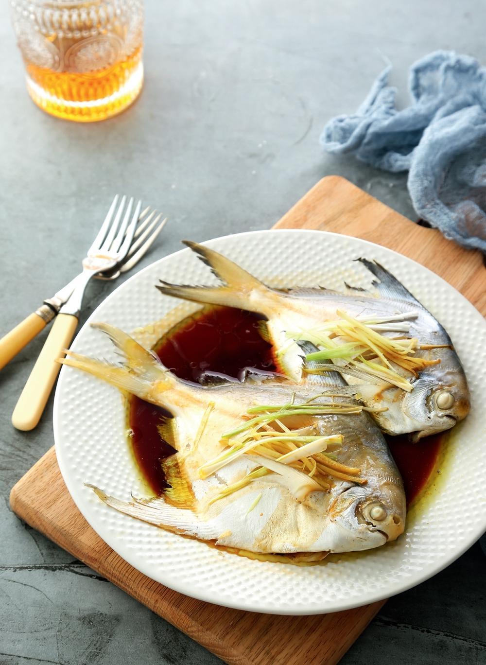 蔥油蒸鯧魚