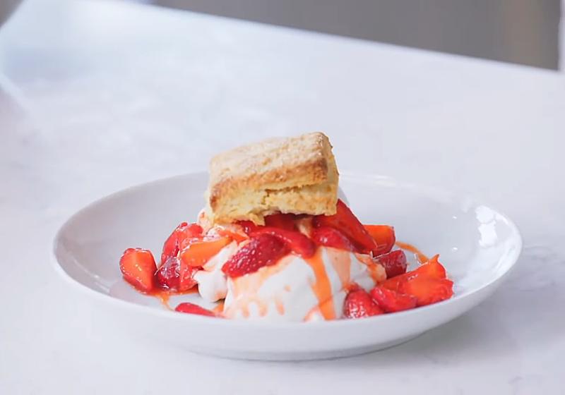 草莓酥餅蛋糕 (影音)