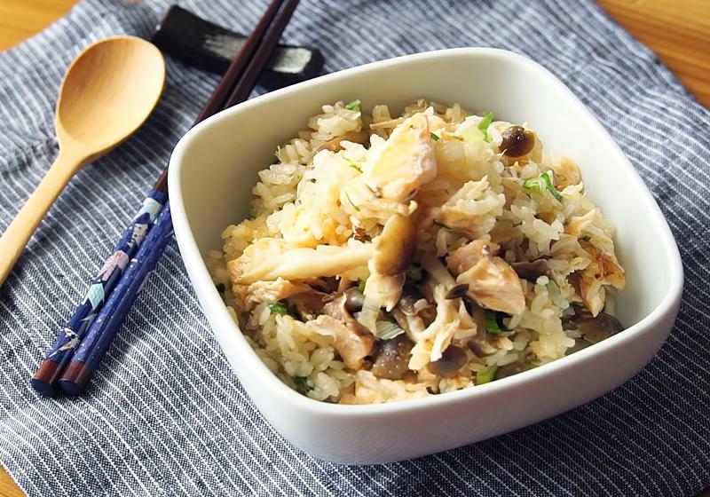 電鍋料理 | 鮭魚炊飯 (影音)