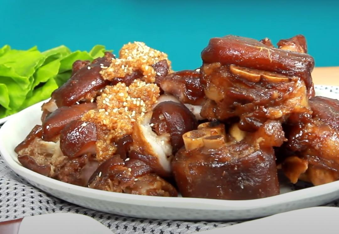 韓式蒜醬豬腳 | Q彈入味秘訣、兩款神級醬汁一次學會