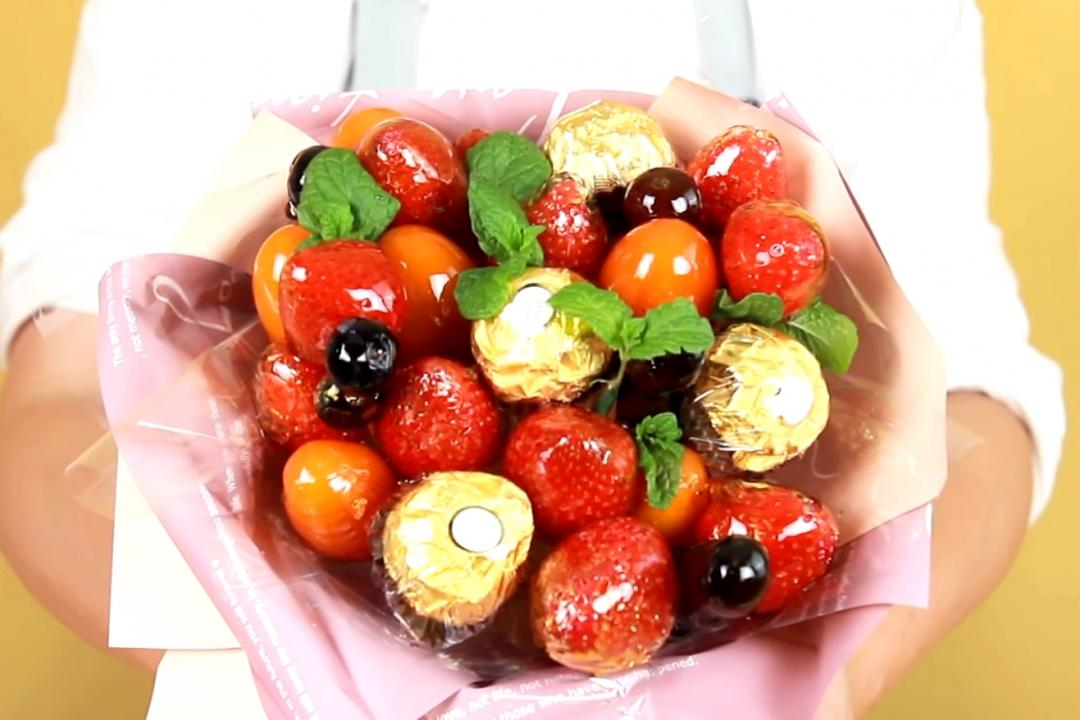 情人節DIY「草莓糖葫蘆花束」幫你討好吃貨情人 (影音)
