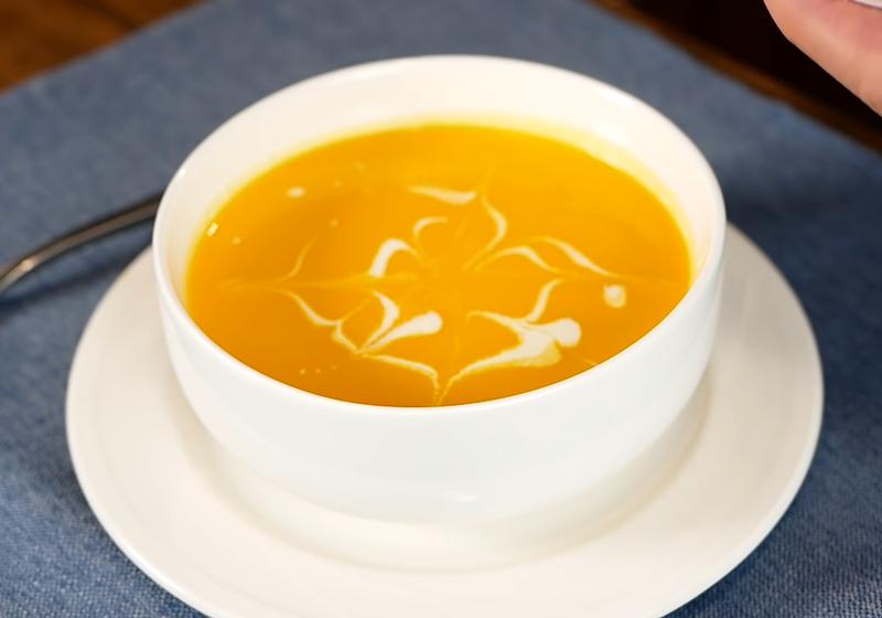 懷疑被騙!香甜到喝不出是蘿蔔的「超美味紅蘿蔔濃湯」(影音)