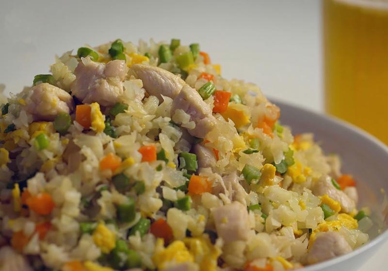 影音》零澱粉!「花椰菜米僞炒飯」減醣也能吃到飽