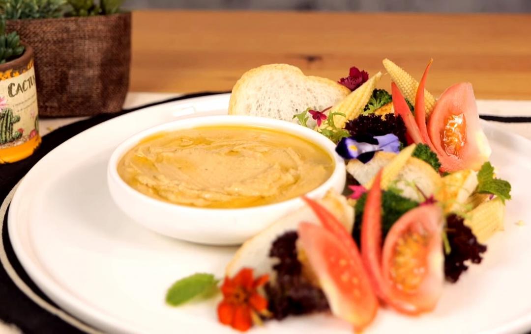 扁豆泥蔬菜盤 | 吃蔬食也能很營養!豆泥取代沙拉醬更清爽