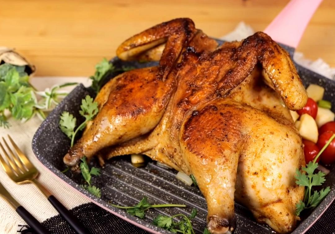 一鍋到底「爆汁烤全雞」派對宴客必備!50分鐘連配菜一起完成