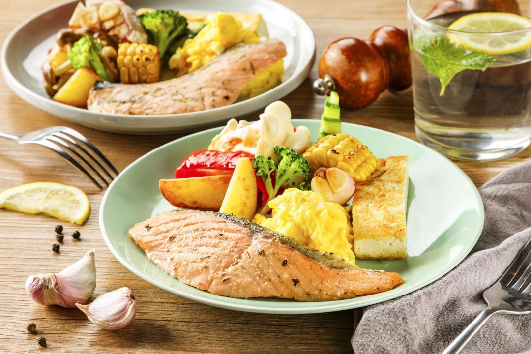 超商即食包變「減脂欺騙餐」!鮭魚排搭鮮蔬炒蛋  突破瘦身瓶頸也能吃很好