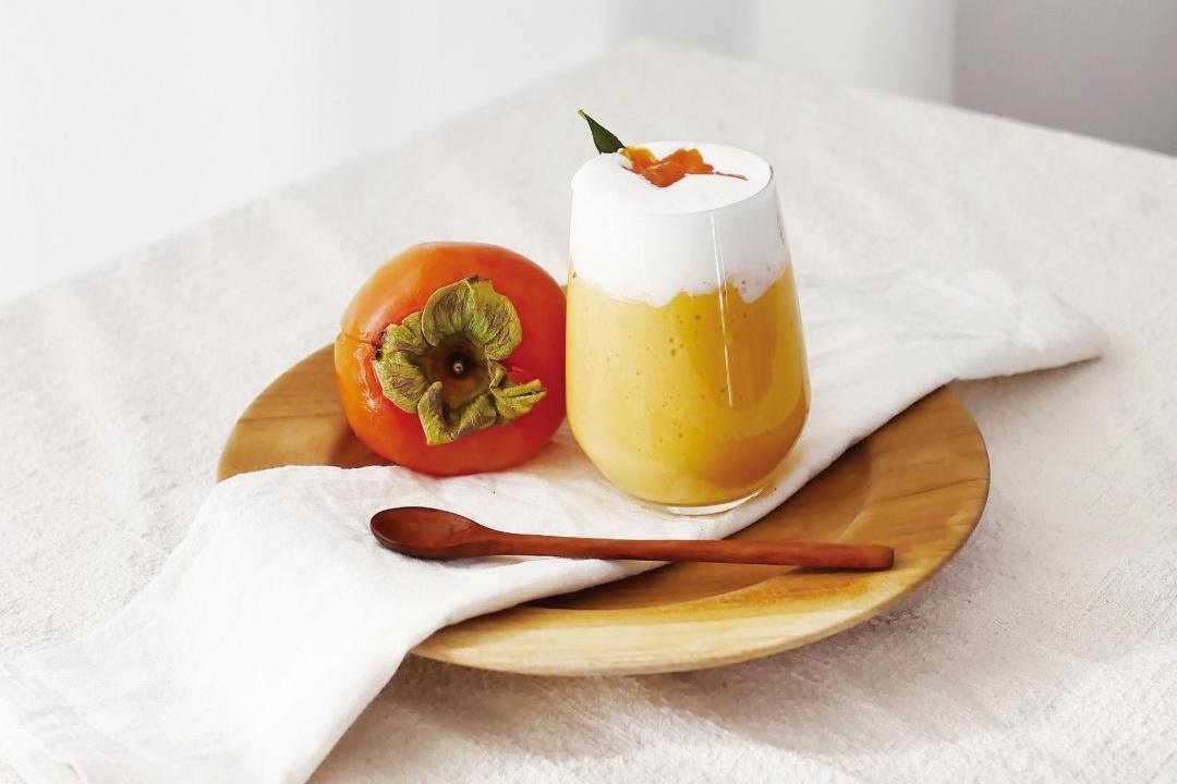 秋天的味道!打一杯「柿子果昔」濃縮黃澄澄美味甜香