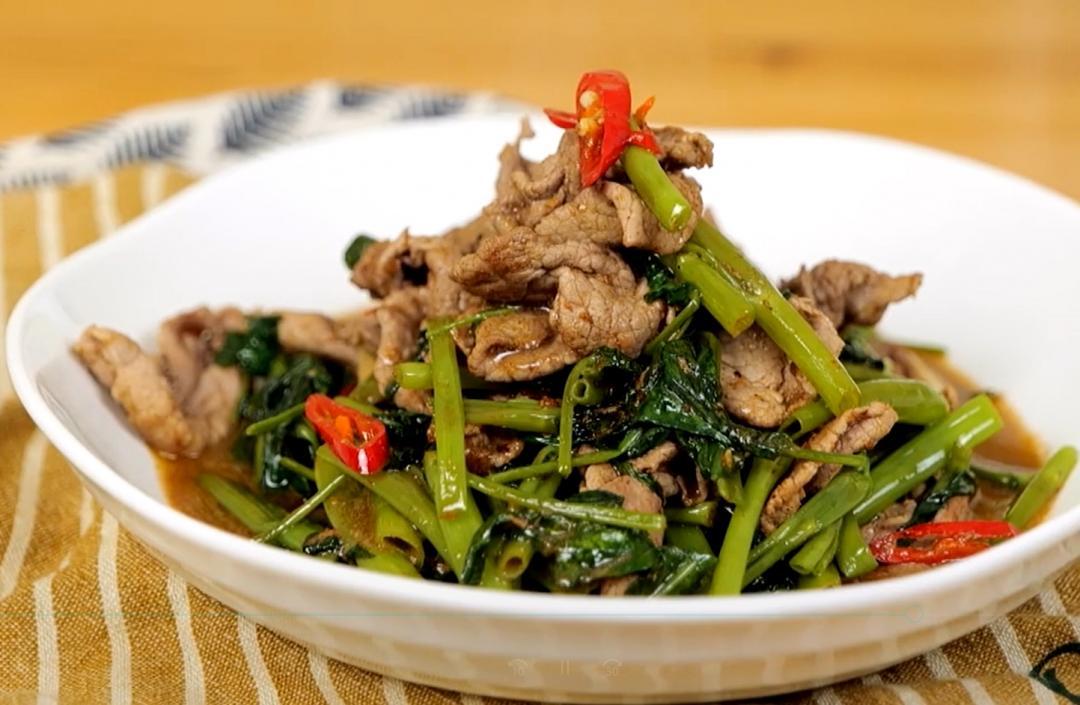 沙茶牛肉炒空心菜 | 軟嫩口感免過油、空心菜挑「大管」更爽脆