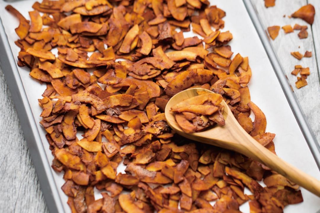 用椰子做「煙燻培根片」!純素低脂讓肉食者也愛上的小零嘴