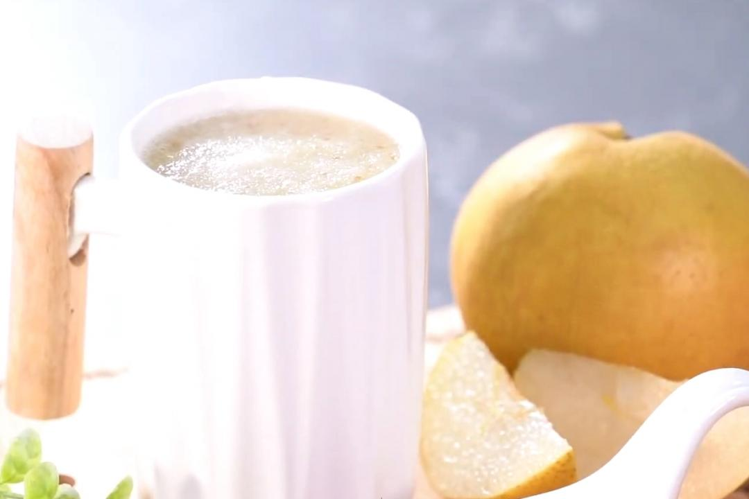 冰糖燉水梨銀耳露 | 滿滿膠質精華一杯通通喝得到