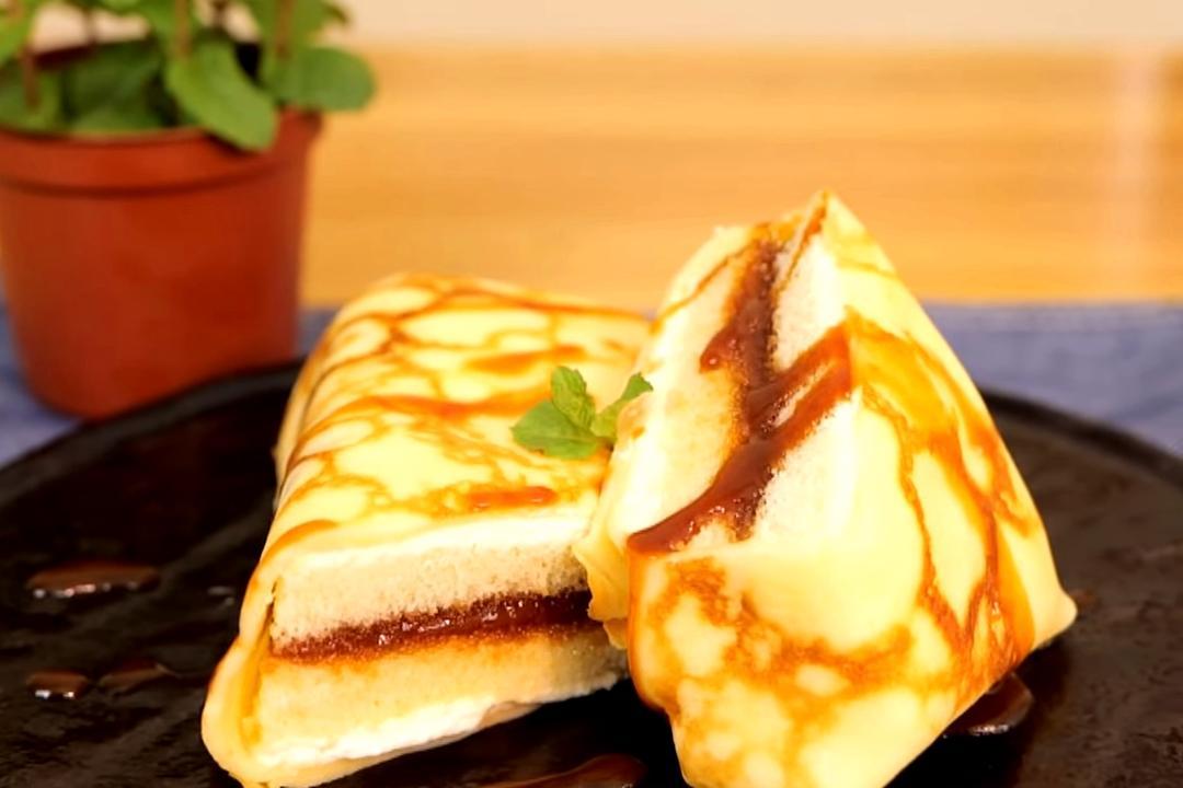 「牛奶糖可麗餅」每口都是夢幻層次!平底鍋煎法式虎皮必學