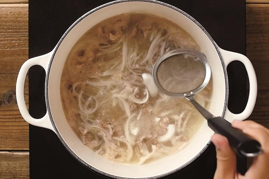 高湯、濃湯「不能煮滾」?冬天熬湯要好喝,先掌握這幾個小秘訣