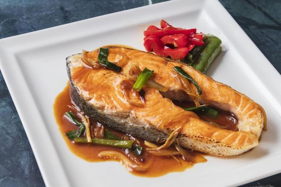 醬爆鮭魚 |  甜麵醬燴燒開胃好下飯!