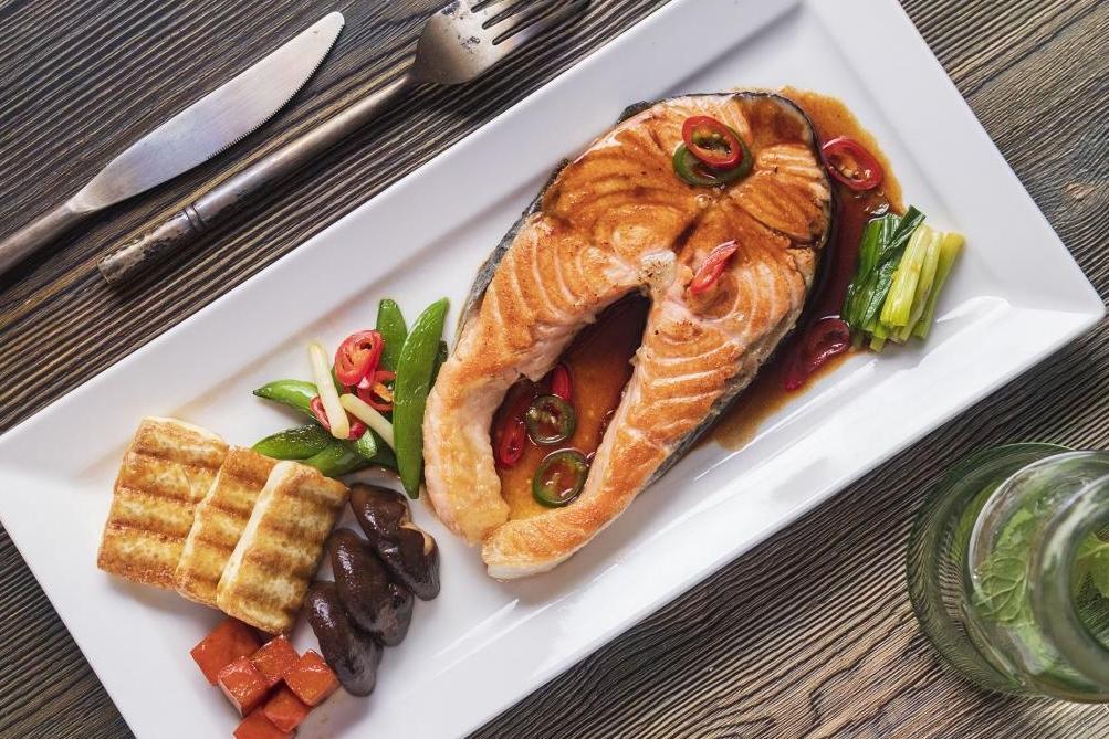 紅燒鮭魚 | 鹹香下飯 3 步驟完成