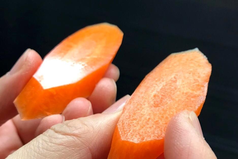 紅蘿蔔如鑽石般完美切面!「這把菜刀」在日本推特爆紅
