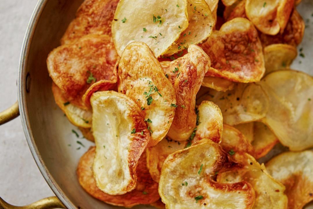 放下那盒洋芋片!「低卡馬鈴薯片」減肥嘴饞必備氣炸鍋料理