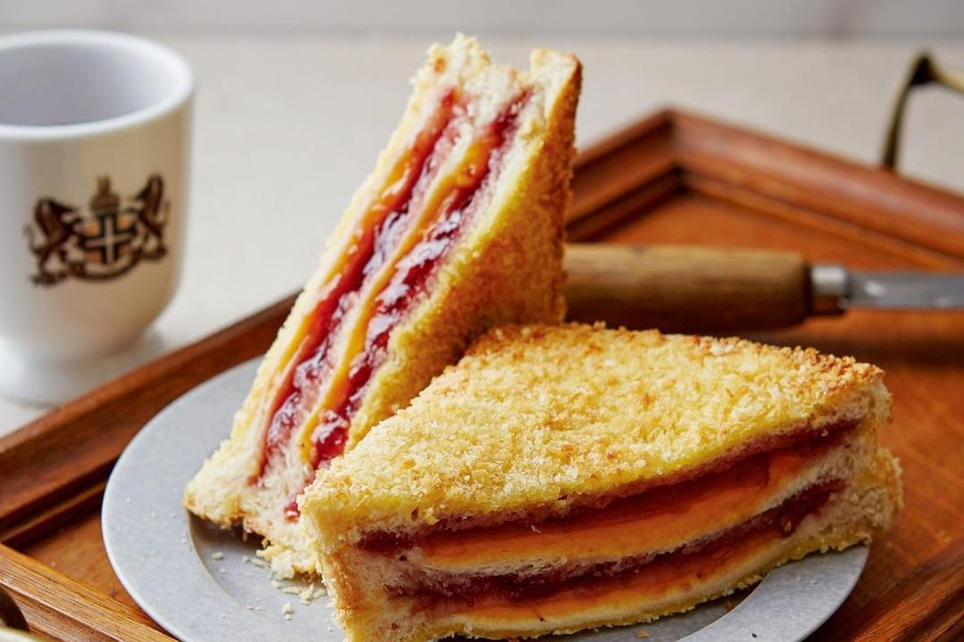 氣炸版「基督山伯爵三明治」!草莓果醬夾爆漿起司超銷魂