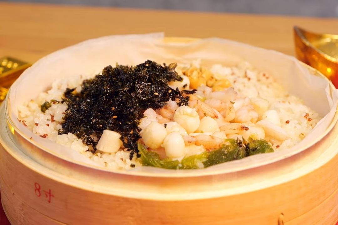 米糕油飯換個方式做!「蟹肉貝柱紅藜炊飯」年菜吃得清爽又健康