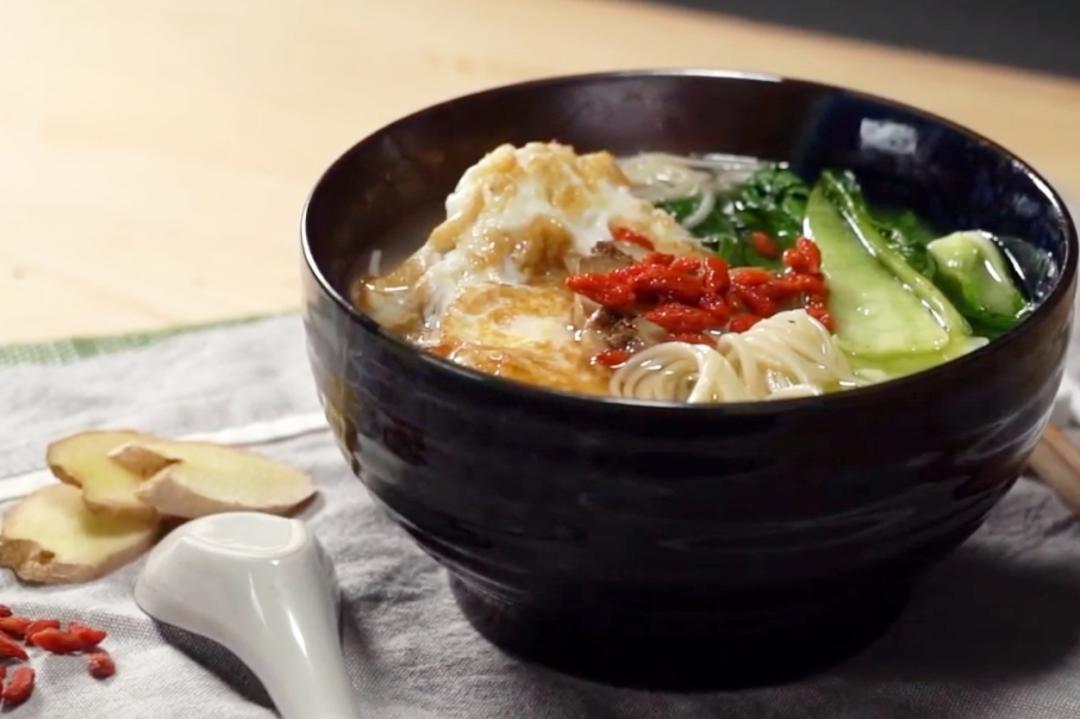 麻油雞蛋麵線 | 10分鐘完成暖心暖胃冬日消夜點心