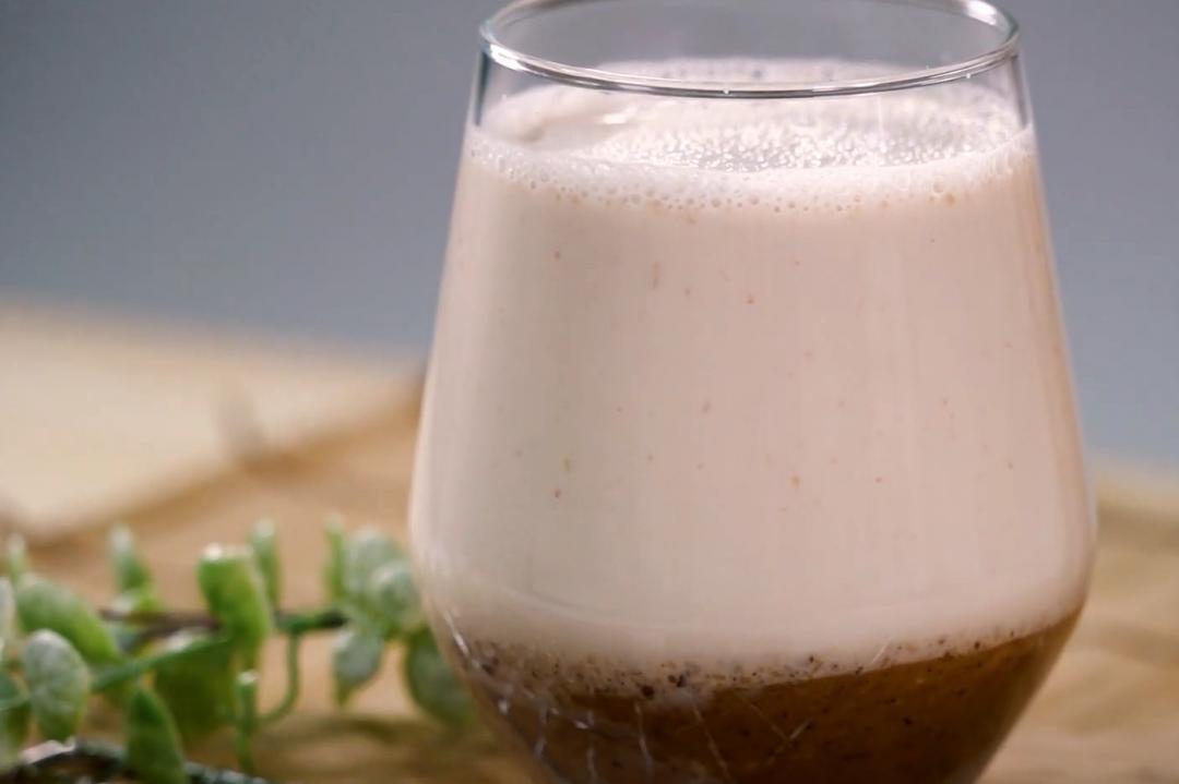 栗子燕麥奶「偽拿鐵」熱熱喝!濃郁堅果香當代餐也OK