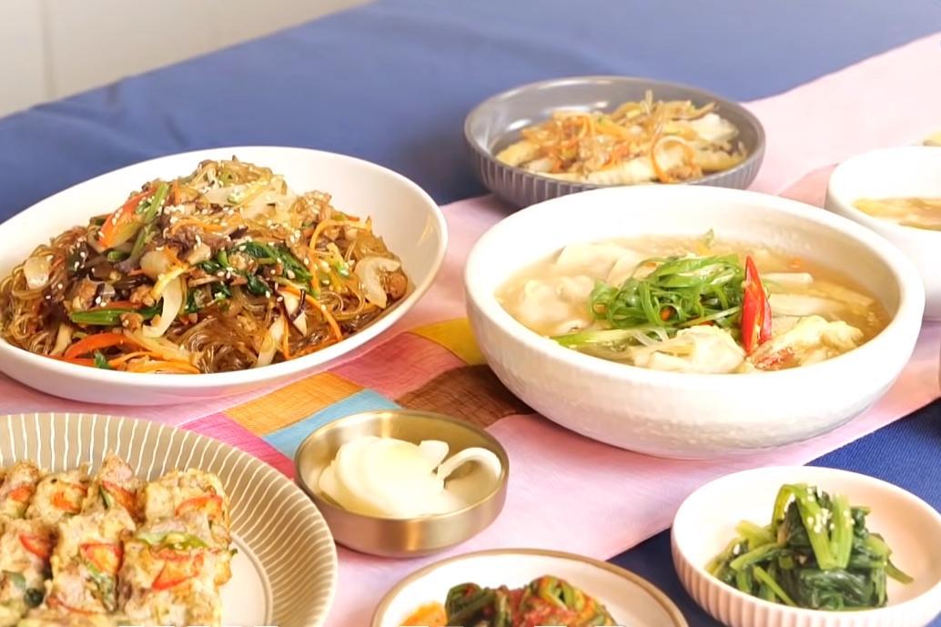 韓式涼拌素雜菜、牛肉煎、餃子湯!韓國家常 3 道快手上桌