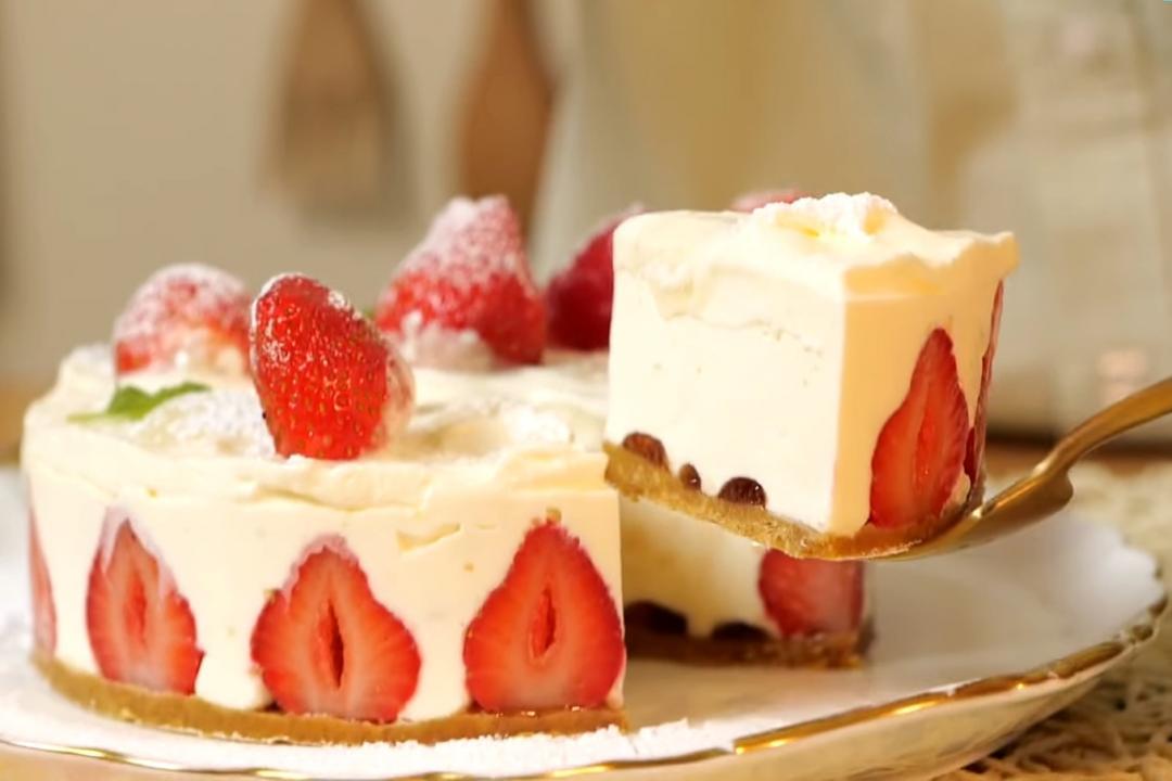 免烤箱「草莓生乳酪蛋糕」!攪拌一下輕鬆完成
