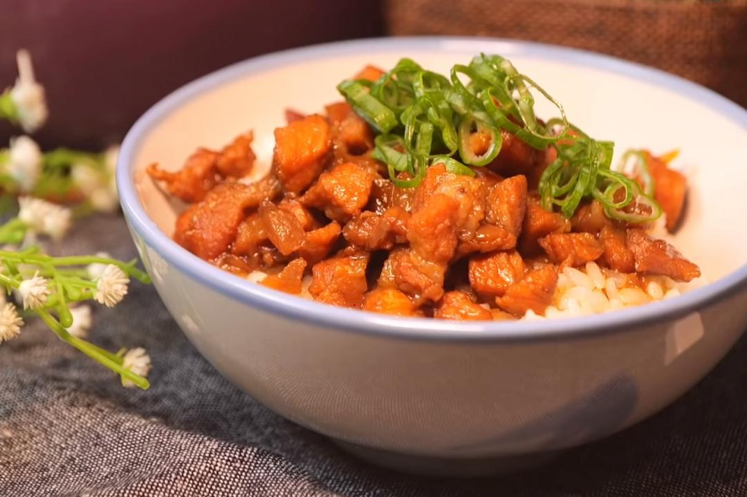 「手切滷肉飯」咬得到肉塊超滿足!比絞肉更好吃的美味秘訣