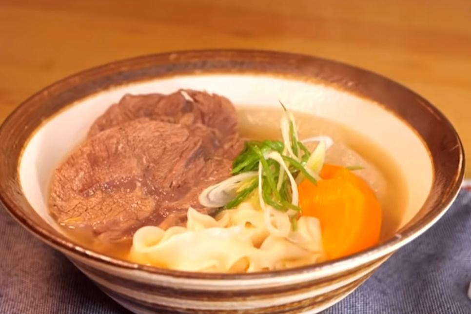 「清燉牛肉麵」湯頭甘甜清爽3秘訣!在家燉一鍋慢慢吃