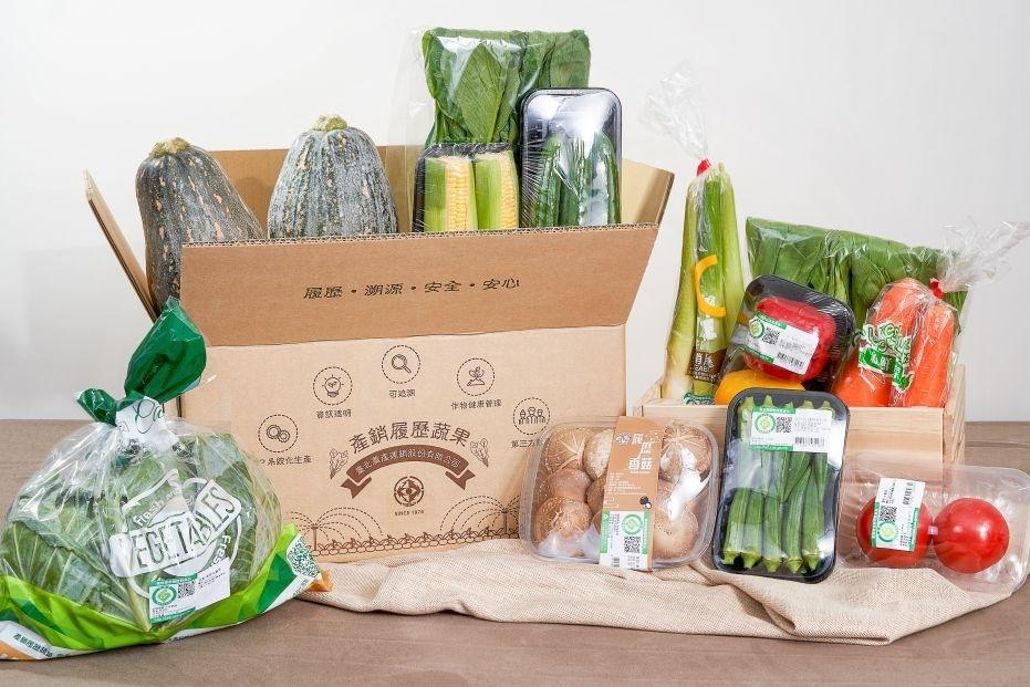 免擠傳統市場!網購「蔬菜箱」超夯  380元12種葉菜免運宅配到家
