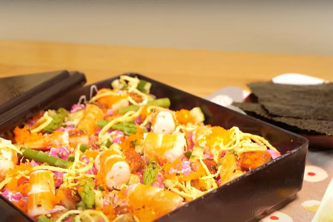 零廚藝也會做的「繽紛散壽司」!火龍果染色讓醋飯更美味