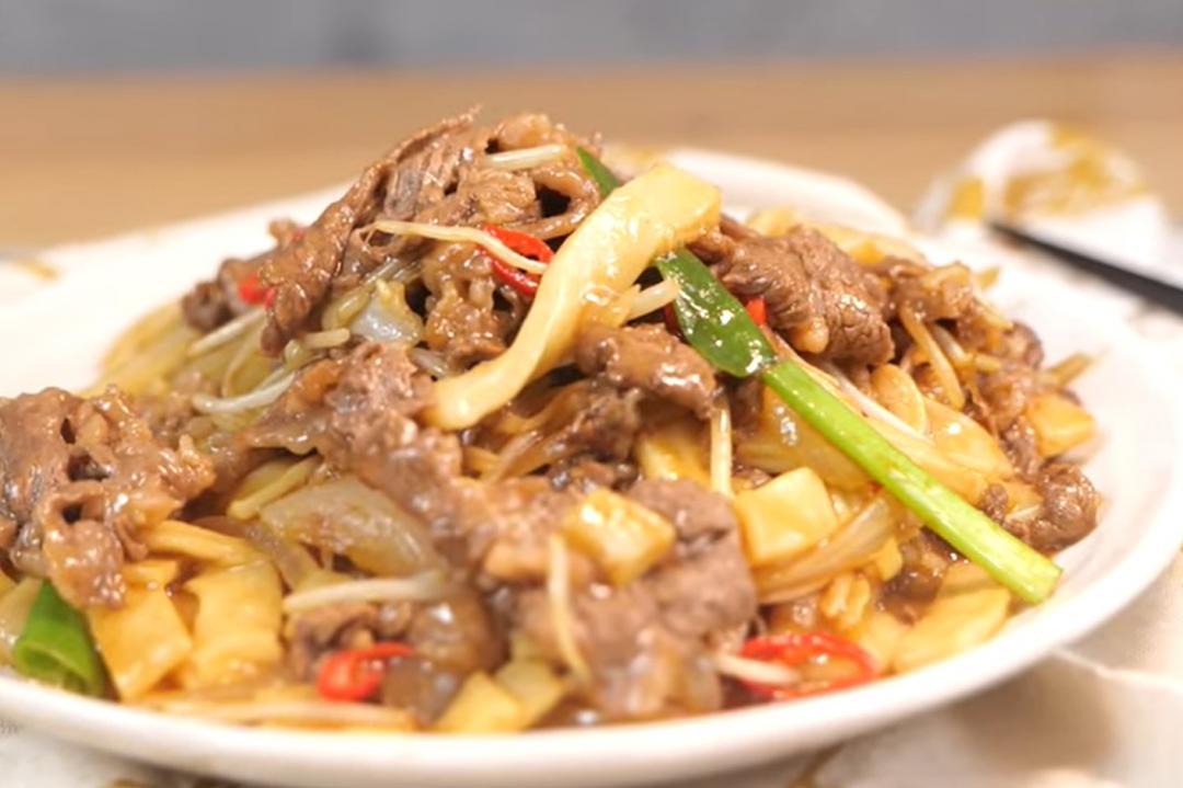 乾炒牛河好吃的秘訣!這樣處理牛肉滑嫩、粄條爽口又入味