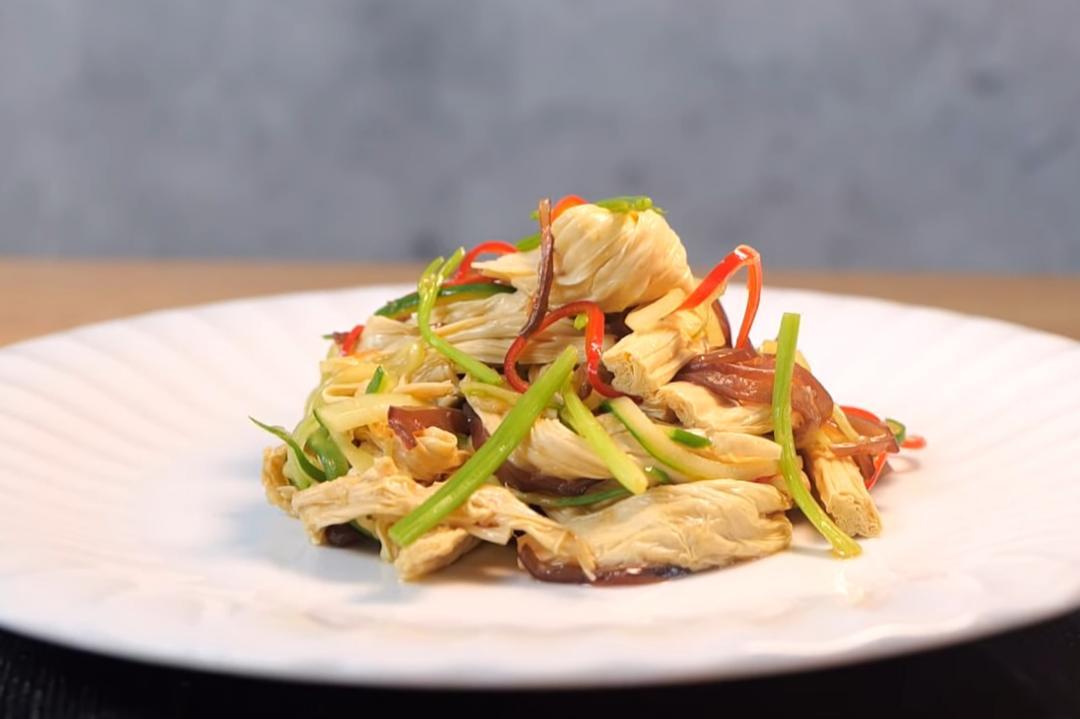 「涼拌腐竹」好吃有秘訣!柔軟筋道又入味
